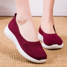 Women Flat Shoes Lightweight Breathable Round Toe Sneakers Walking Shoes Red